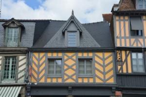 Hauskauf in und um Ettlingen: Finanzierung, Kosten, Quadratmeter bis Mietkauf